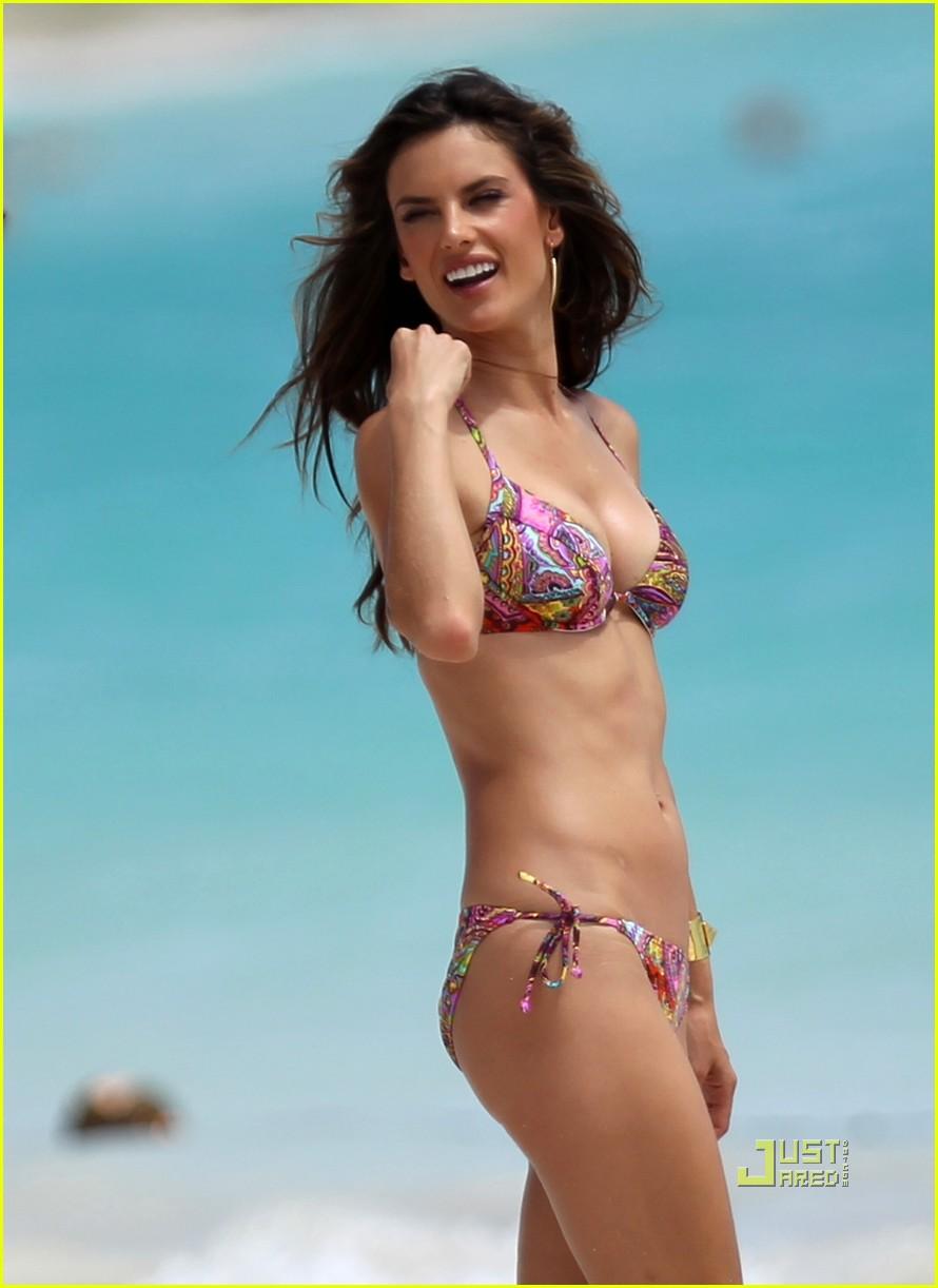 alessandra ambrosio bikini st barts 042468173