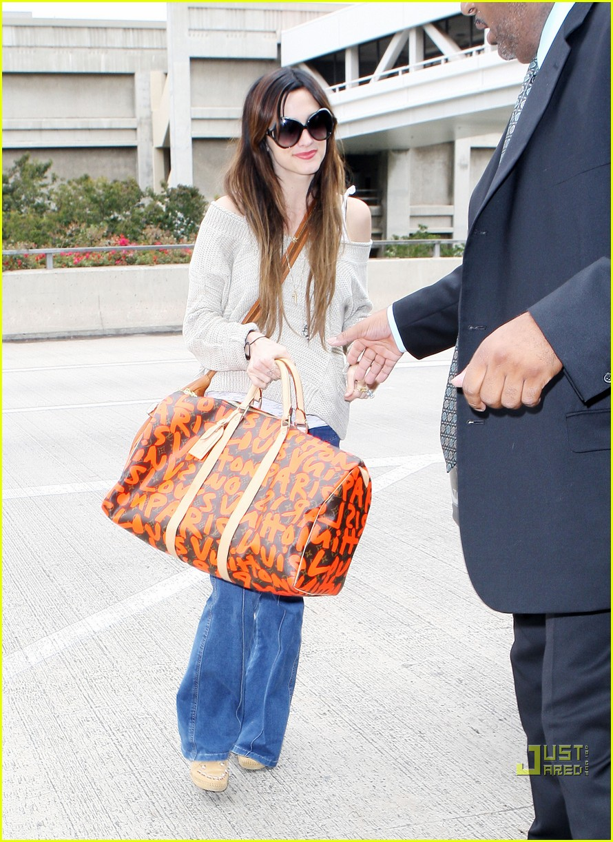ashlee simpson lovely louis vuitton 012464465