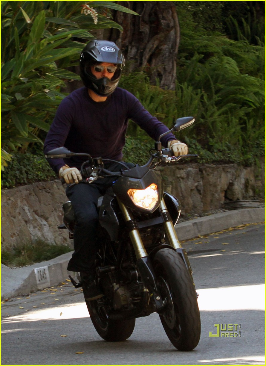 orlando bloom motorcycle in n out 042469953