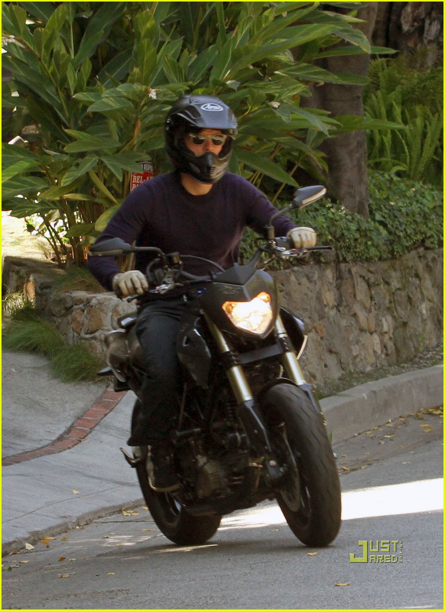 orlando bloom motorcycle in n out 122469961