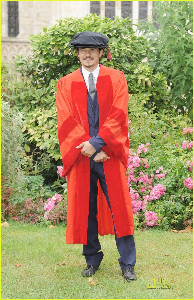 orlando bloom gets degree 04