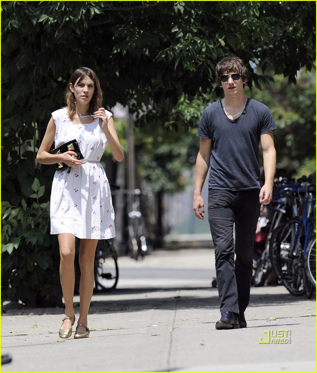 Alexa Chung Drops Cash in Brooklyn: Photo 2465555 | Alex ...