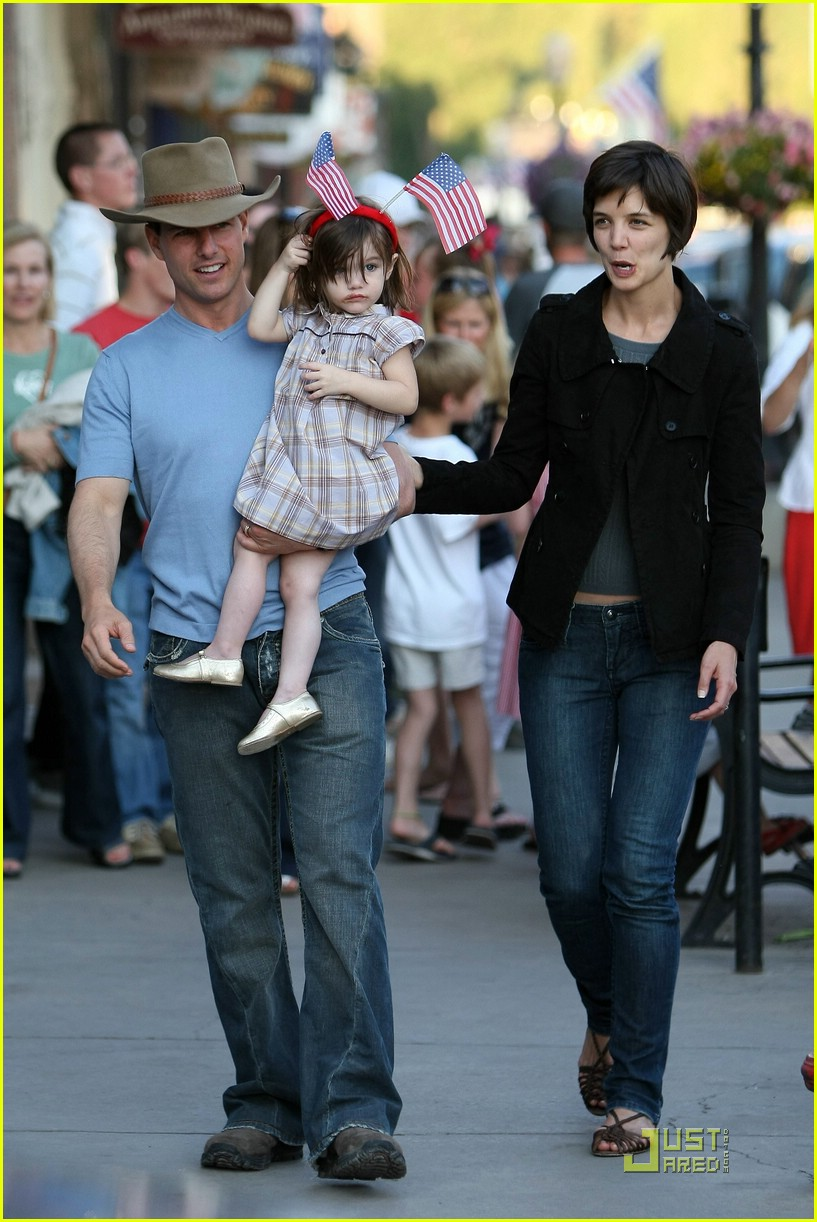 Win Tom Cruise Amp Katie Holmes Stitch S Jeans Photo