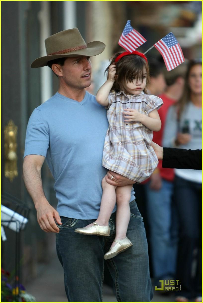 Win Tom Cruise Katie Holmes 39 Stitch 39 S Jeans Photo
