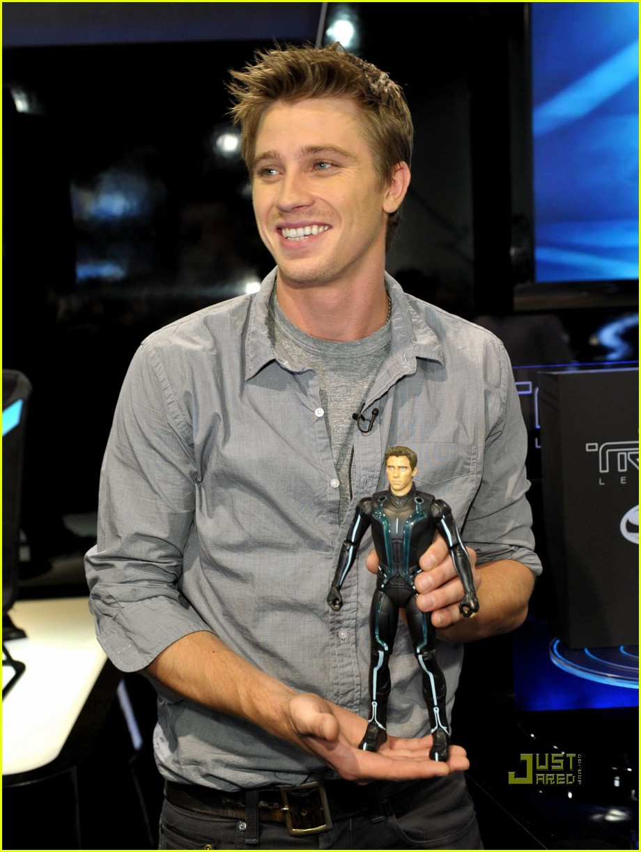 Garrett Hedlund Interview -- JustJared ...