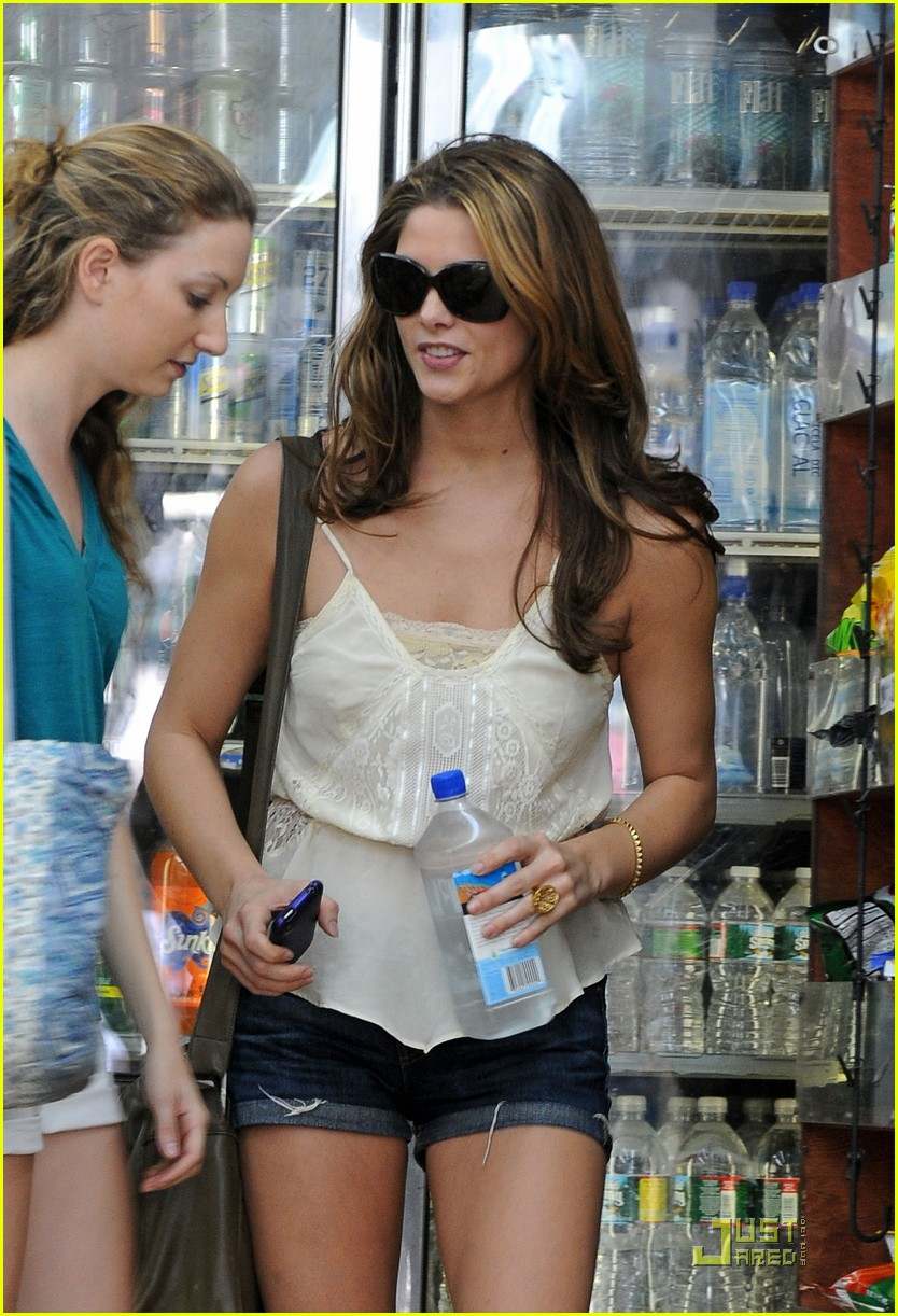 ashley greene hot tummy tease 012464427