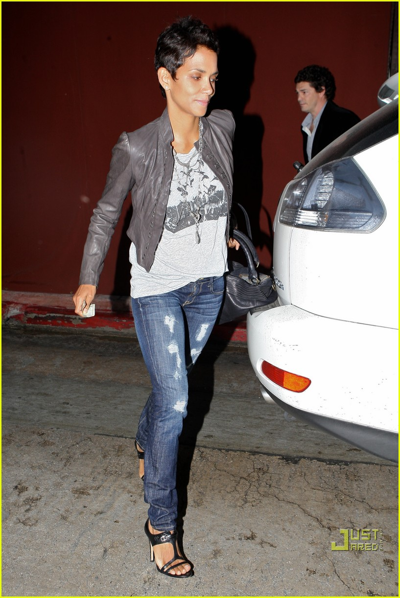 halle berry jets off jeans 072465209