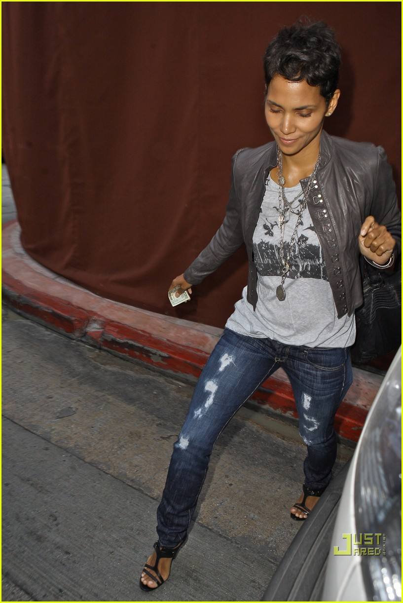 halle berry jets off jeans 192465221