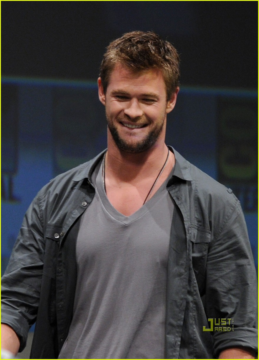 chris hemsworth thor comic con 21