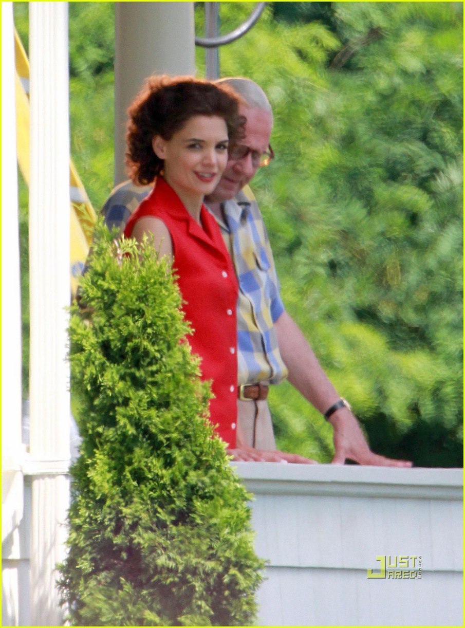 katie holmes the kennedys red top 02