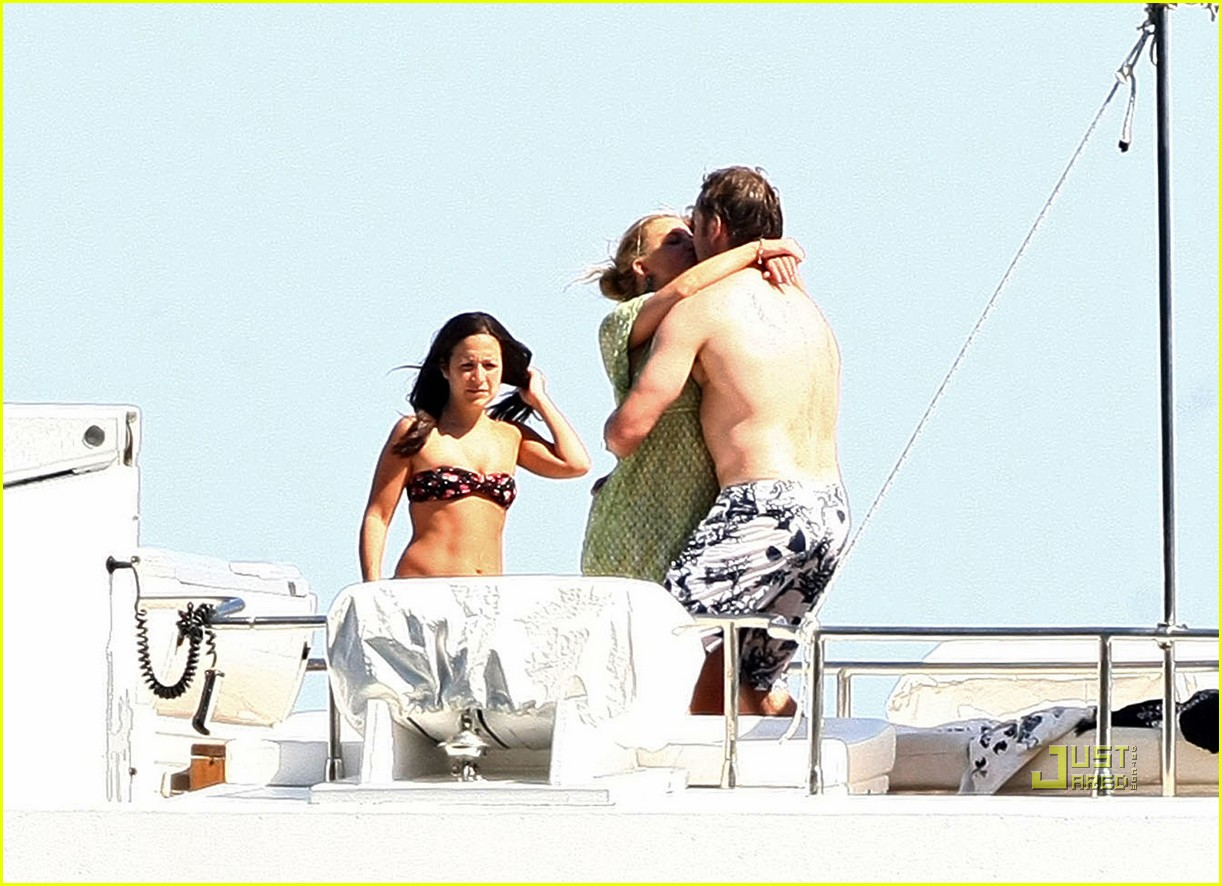 jessica simpson eric johnson kissing 182465315