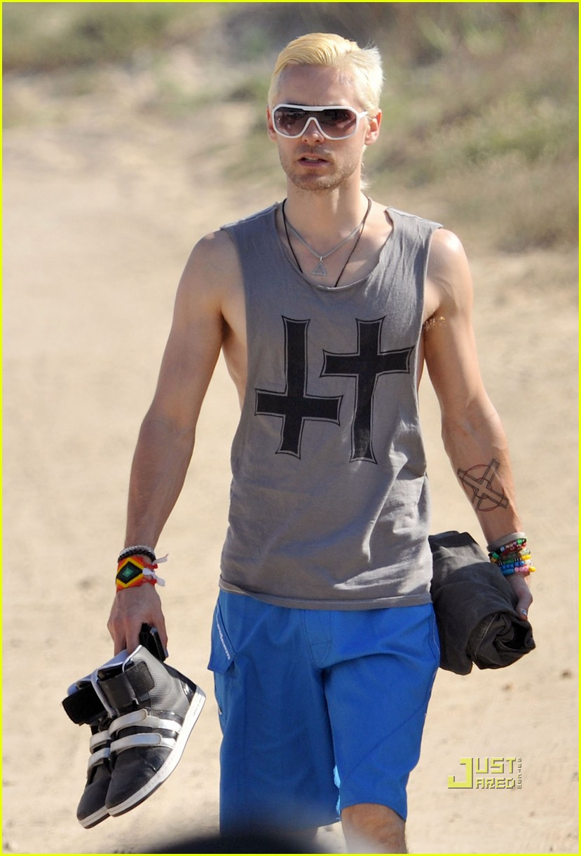 jared leto beach blonde 032466125