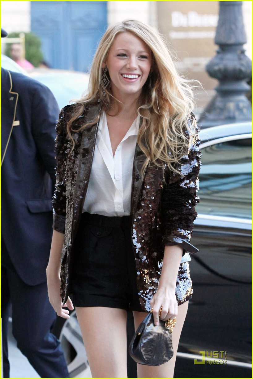 blake lively paris 012464111