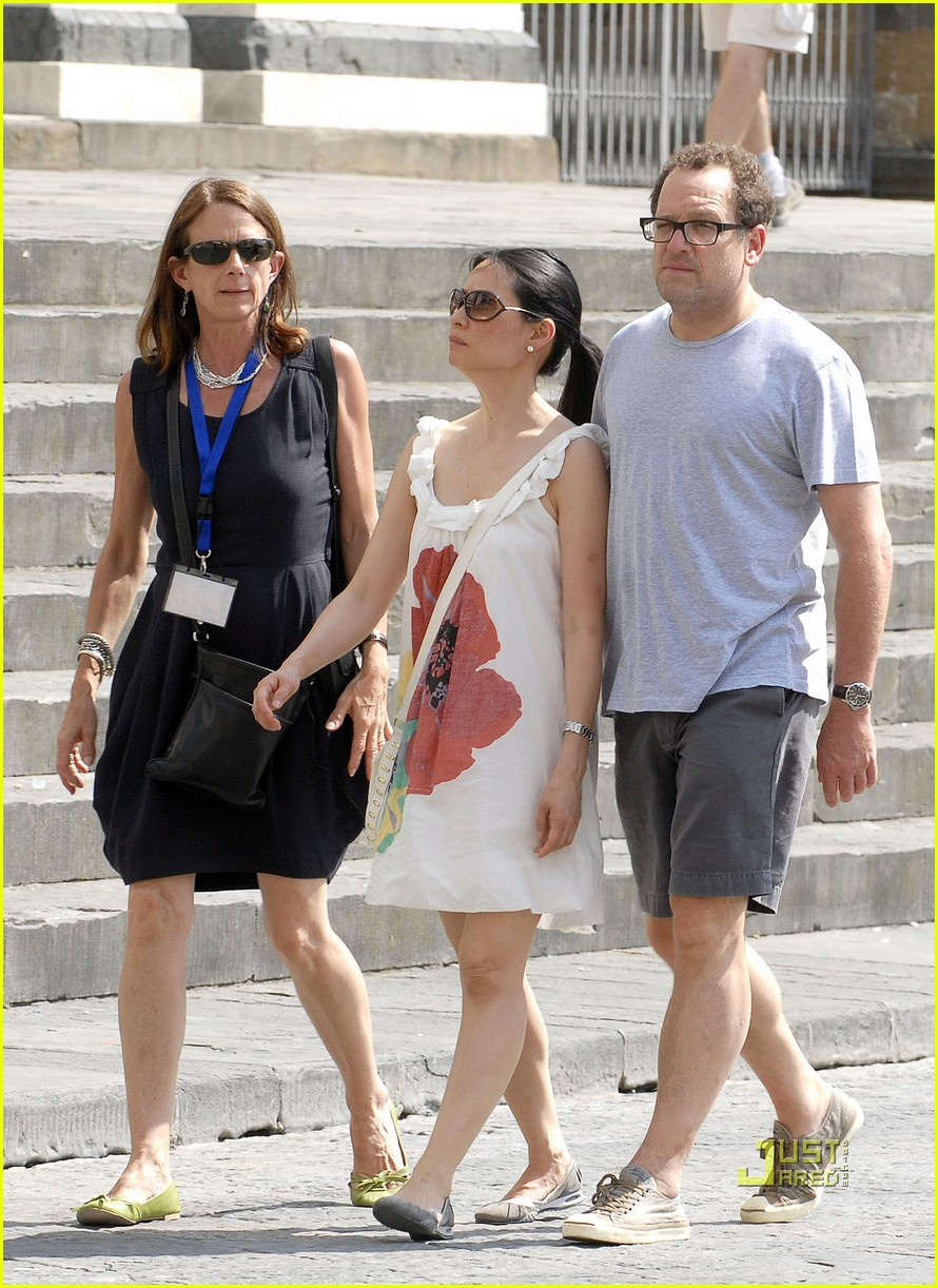 Who is lucy liu dating now