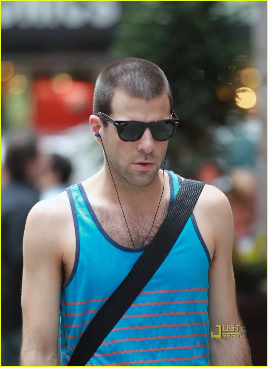 zachary quinto shaved head 01