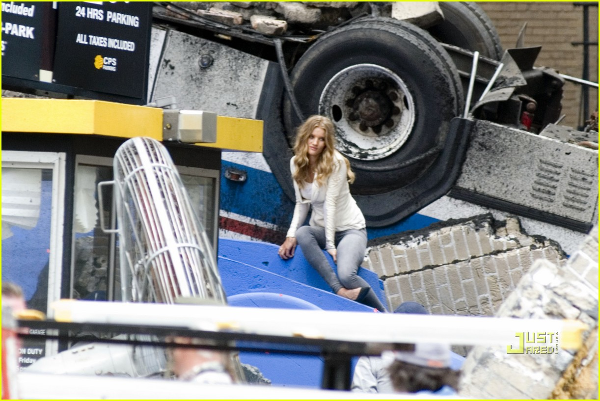 rosie huntington whiteley rubble 10