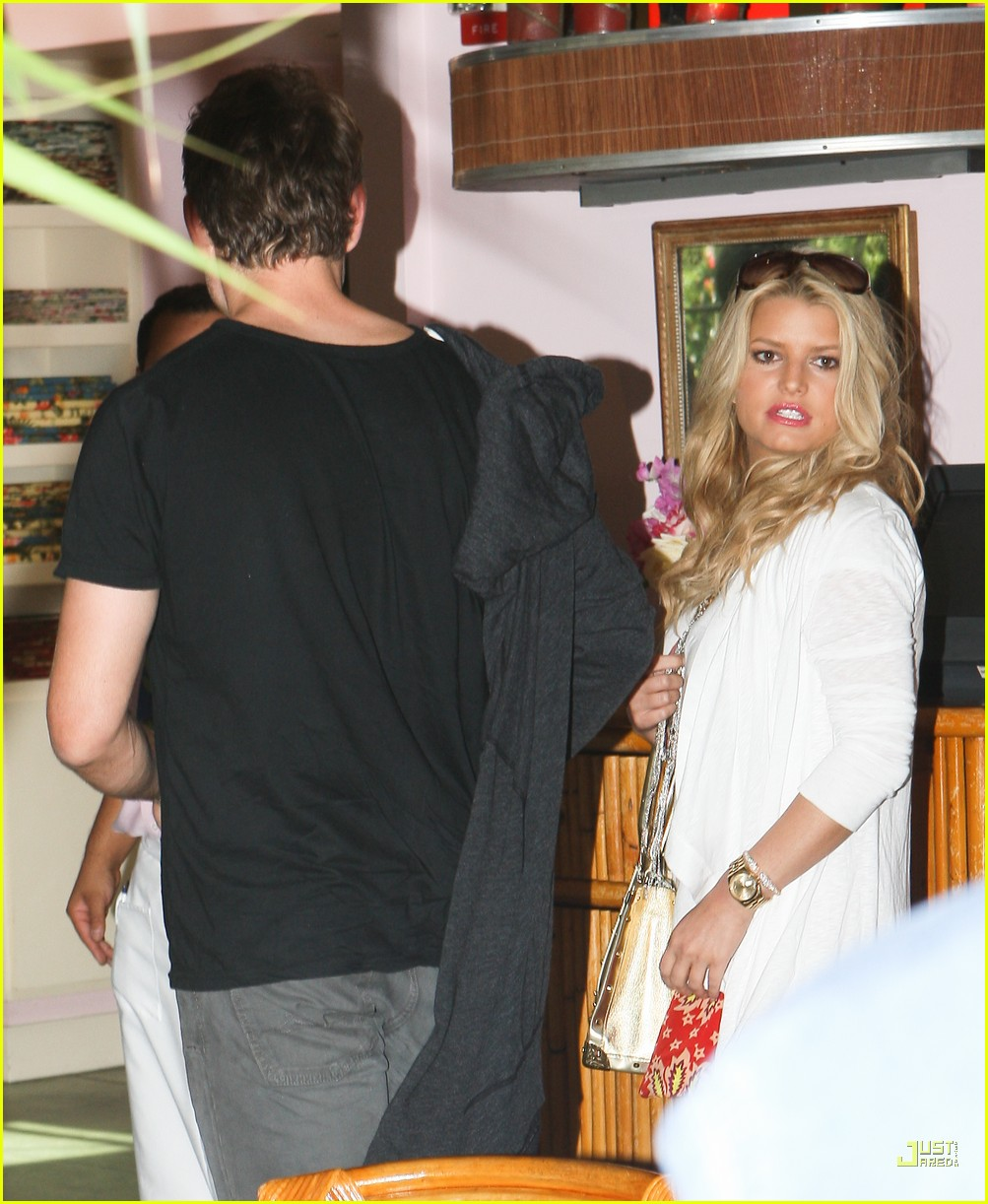 jessica simpson eric johnson the ivy 01