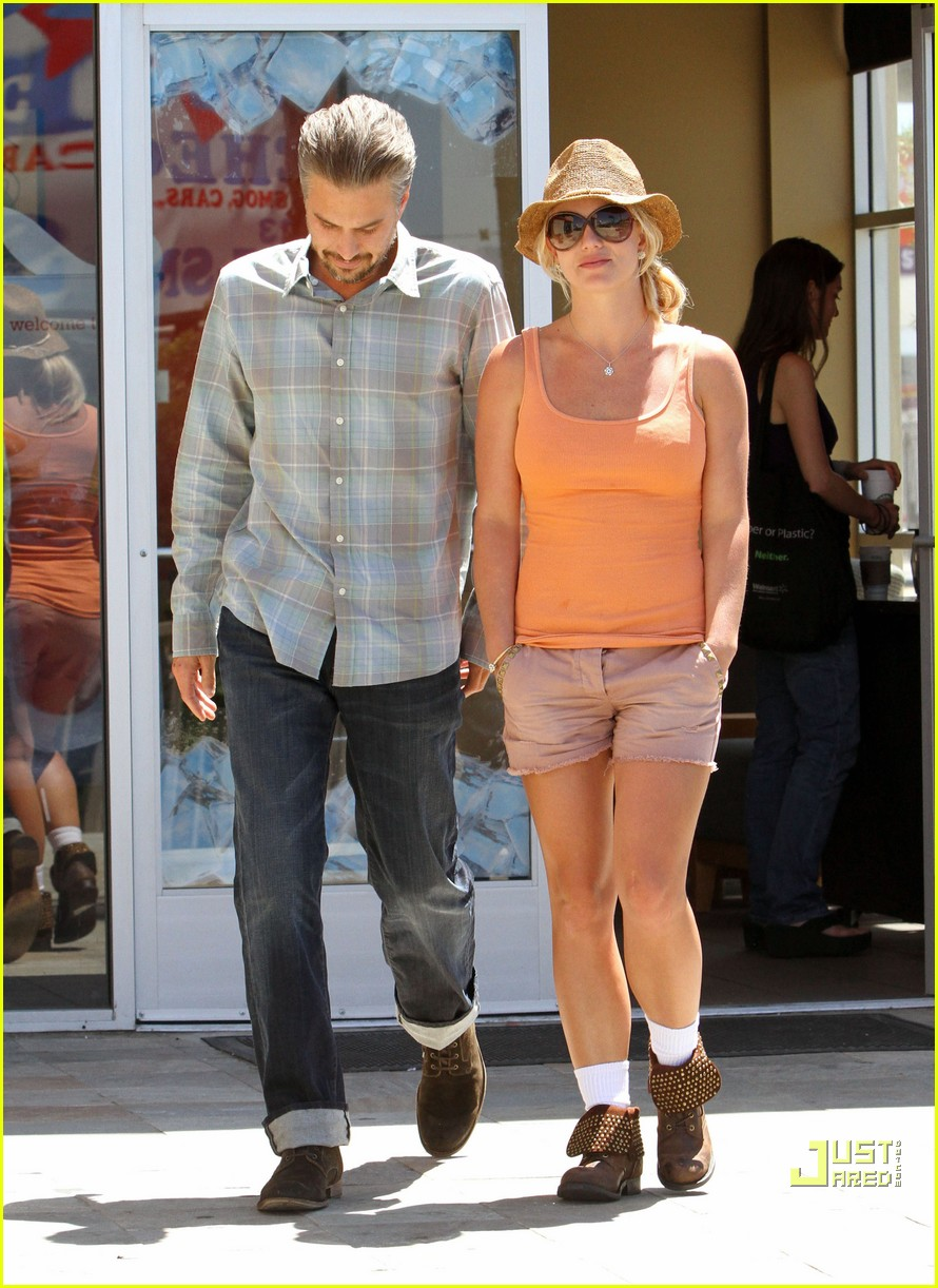 britney spears jason trawick starbucks stop 012468560