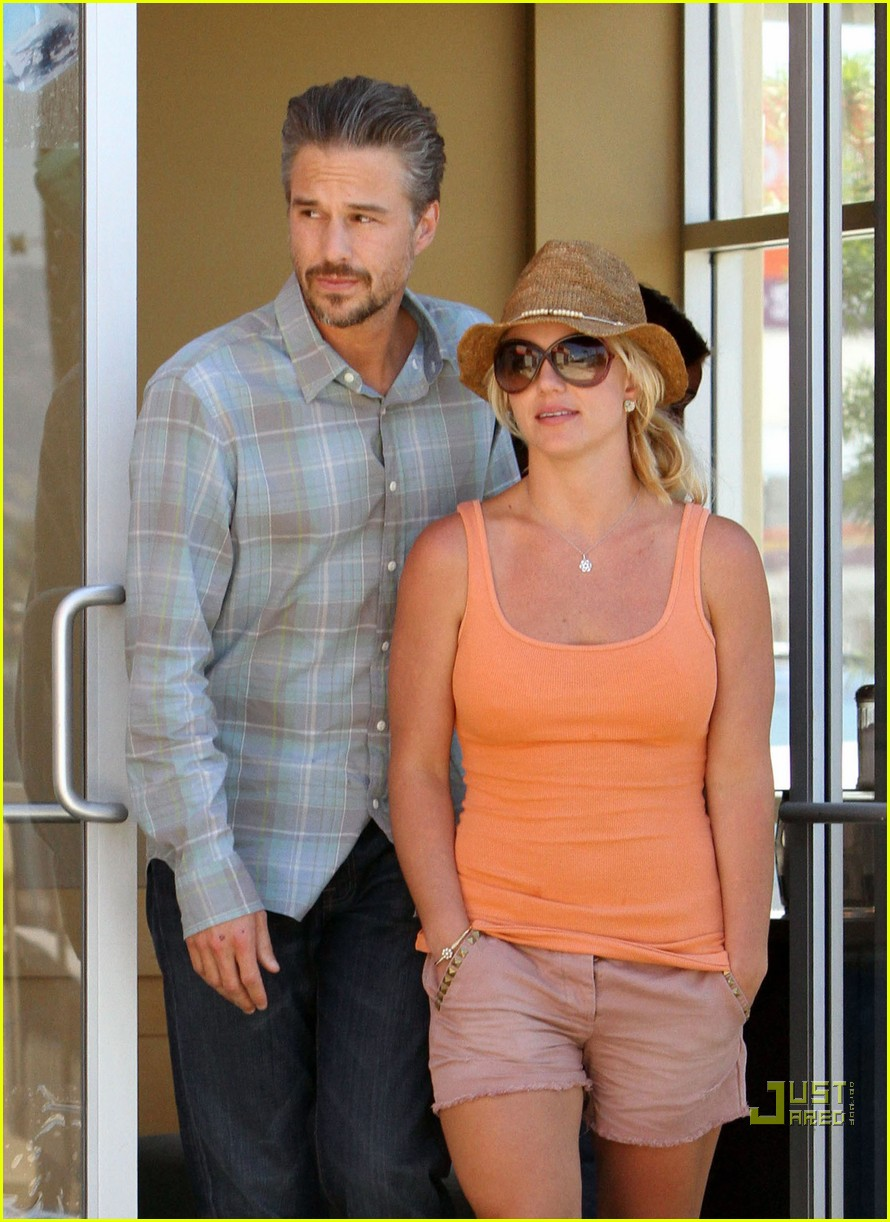 britney spears jason trawick starbucks stop 03