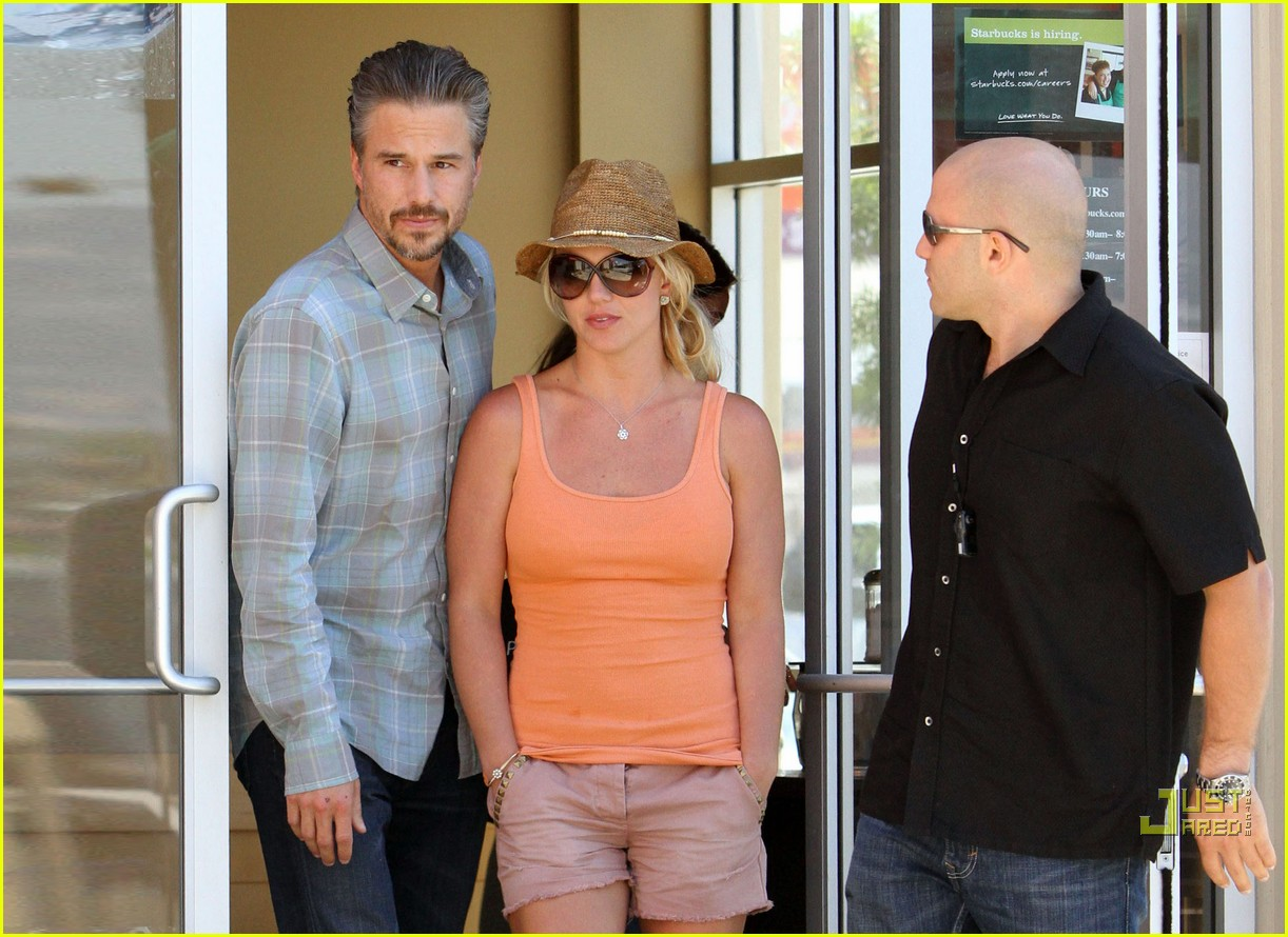britney spears jason trawick starbucks stop 152468574