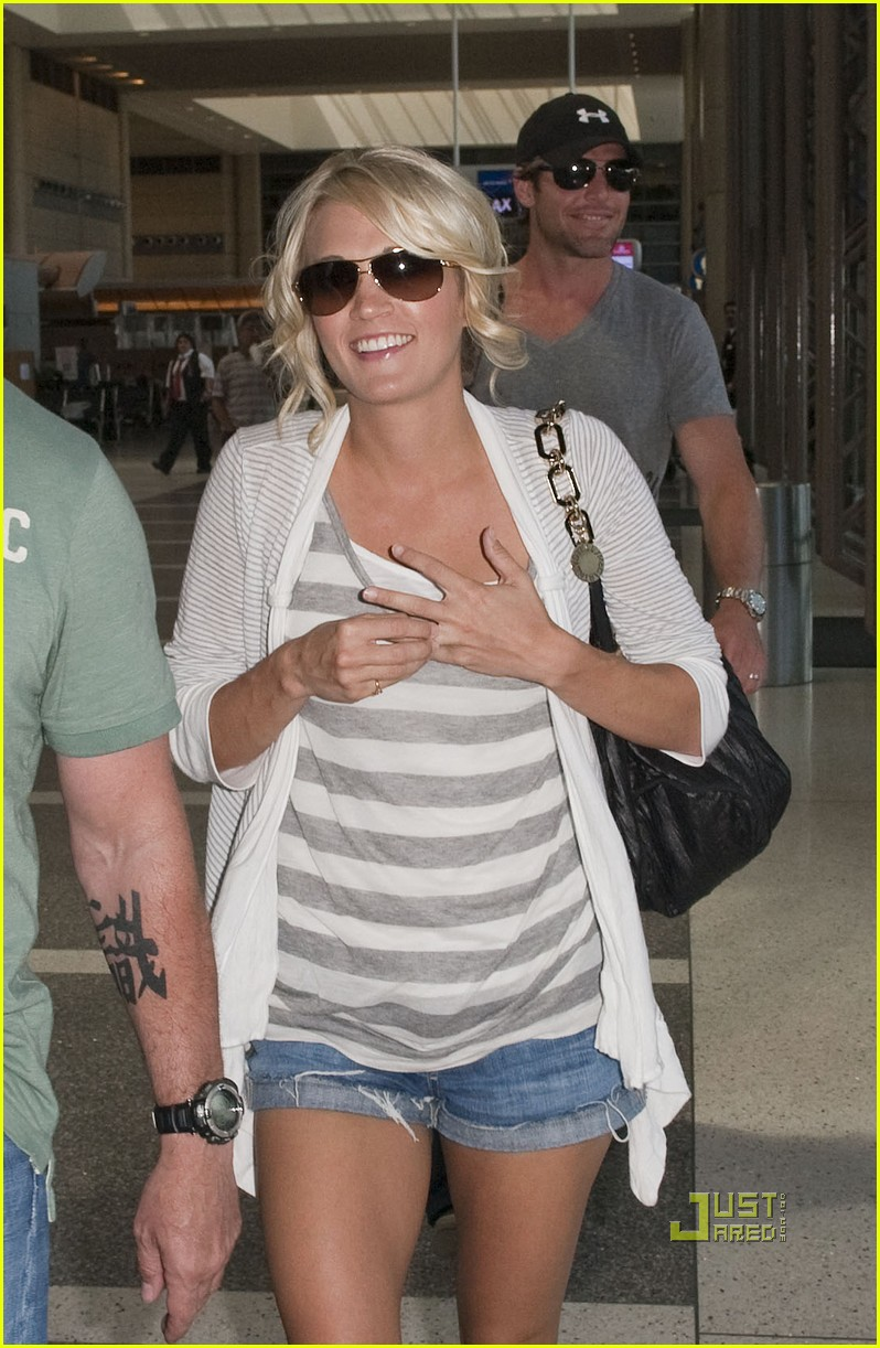 Carrie Underwood: Honeymoon With Mike Fisher!: Photo 2465328  Carrie  Underwood, Mike Fisher Pictures  Just Jared