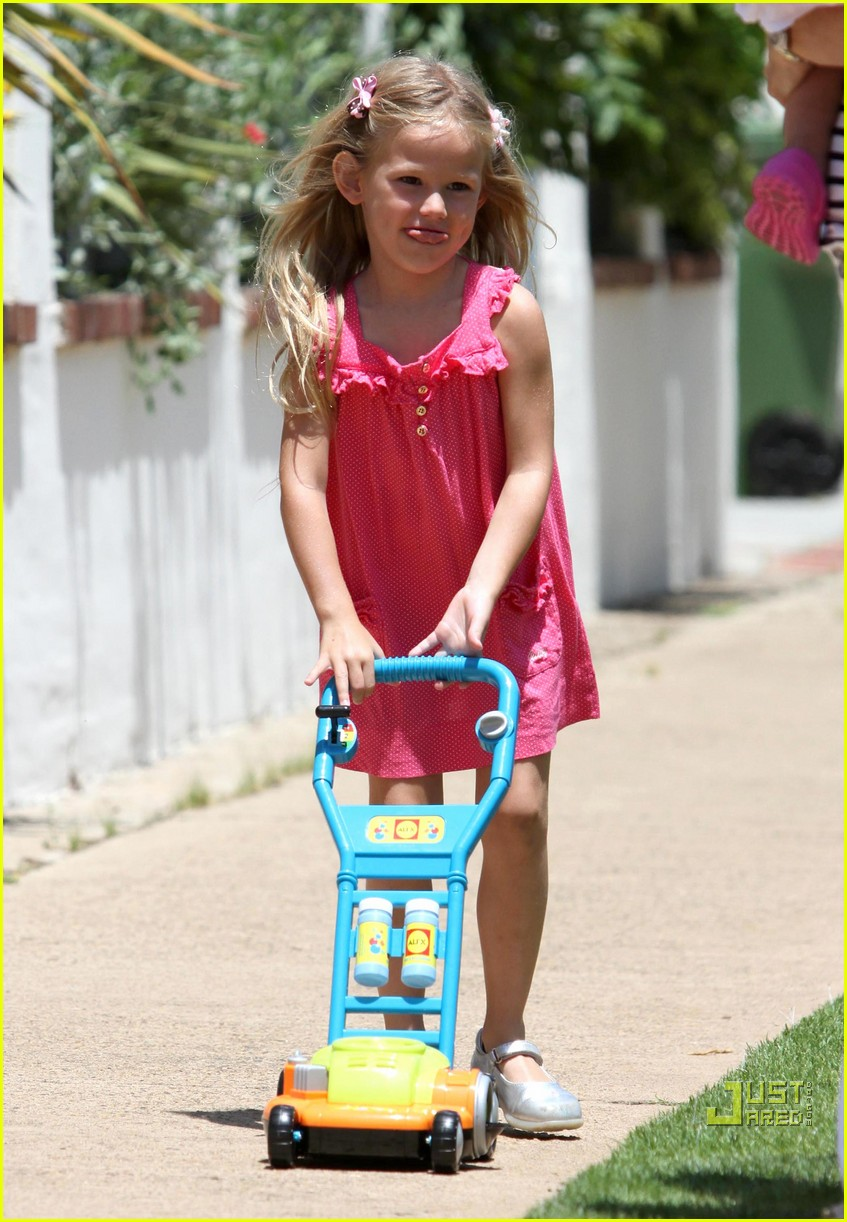 jennifer garner violet affleck seraphina affleck july 4th 02