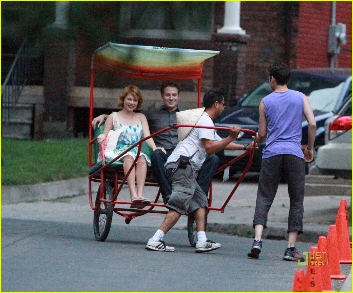 michelle williams seth rogen rickshaw 01