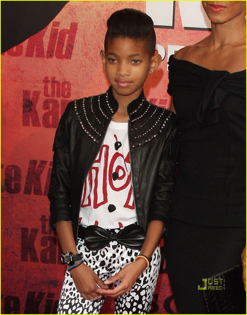 willow smith painted ear outline 142468967