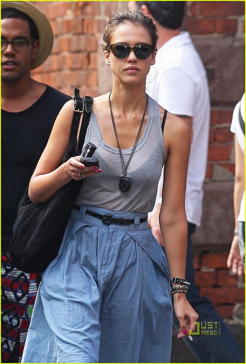 jessica alba shopping soho 01