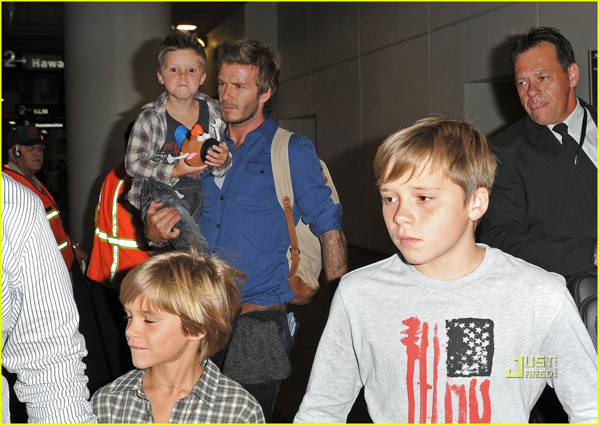 david beckham and kids toy story fans 072471360