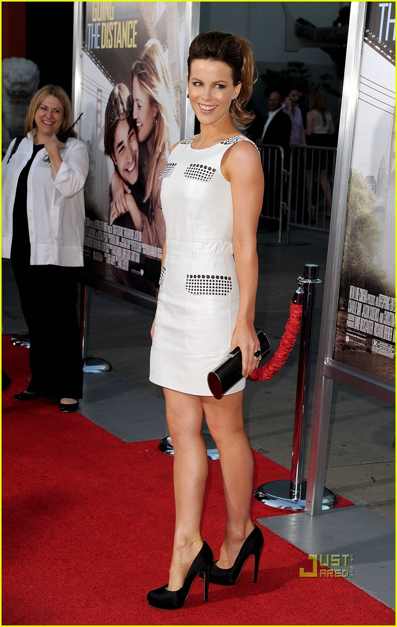 kate beckinsale going the distance premiere 05