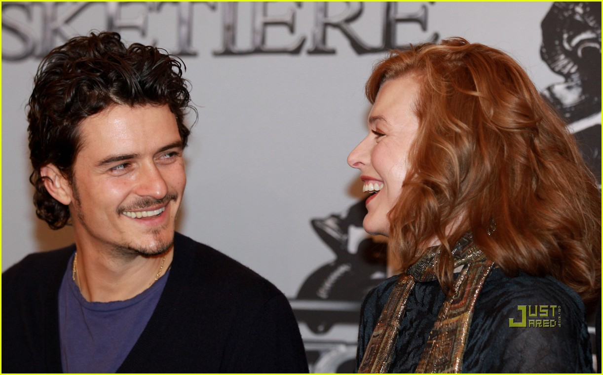 orlando bloom milla jovovich three musketeers filming photocall 08