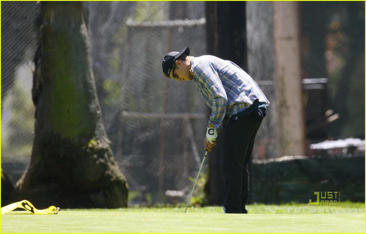 hayden christensen golfing 01