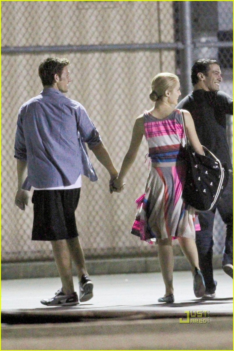 Alex pettyfer dating dianna agron