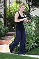 hilary duff errands silverlake food tray 01