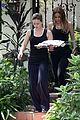 hilary duff errands silverlake food tray 05