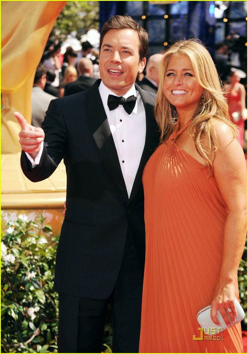 jimmy fallon 2010 emmys red carpet 012476051