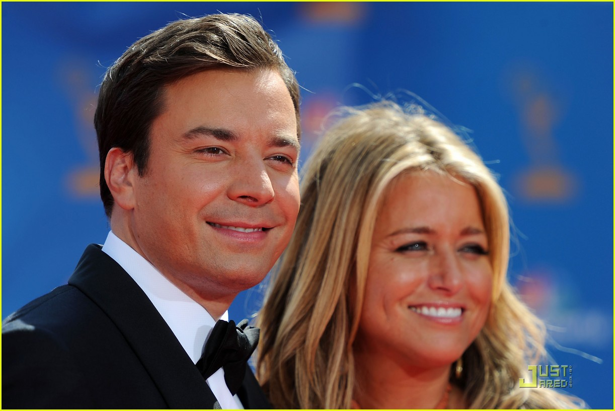 jimmy fallon 2010 emmys red carpet 02