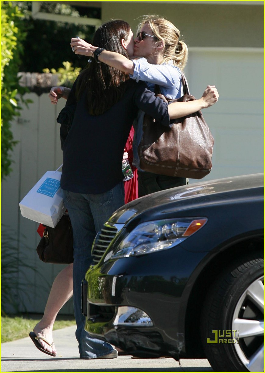 jennifer garner rashida jones swag bags 16