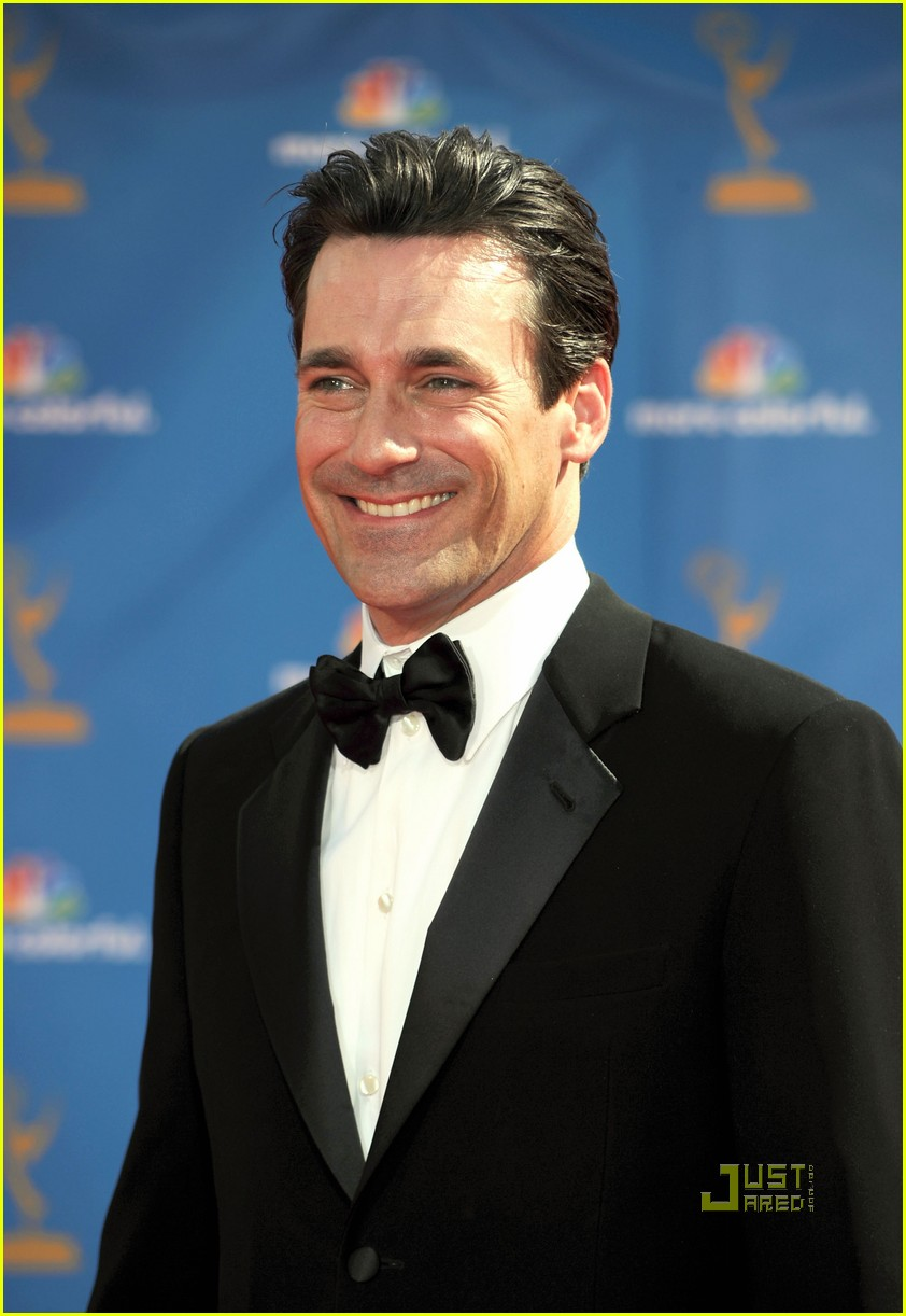 jon hamm jennifer westfeldt emmys 2010 red carpet 08