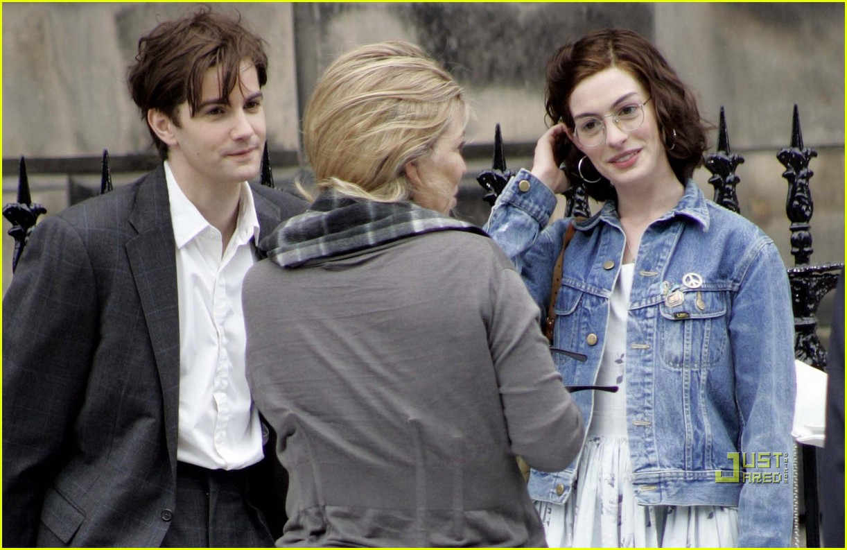 anne hathaway jim sturgess one day 05