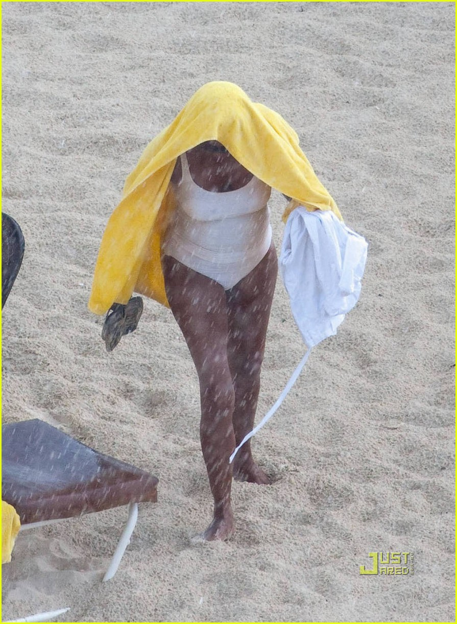 Whitney Houston: Beach in a Bathing Suit!: Photo 2472138 ...