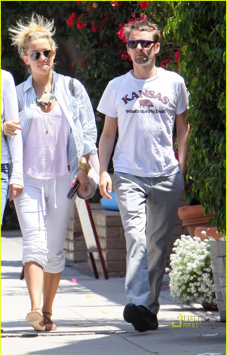 kate hudson matthew bellamy breakfast duo 03