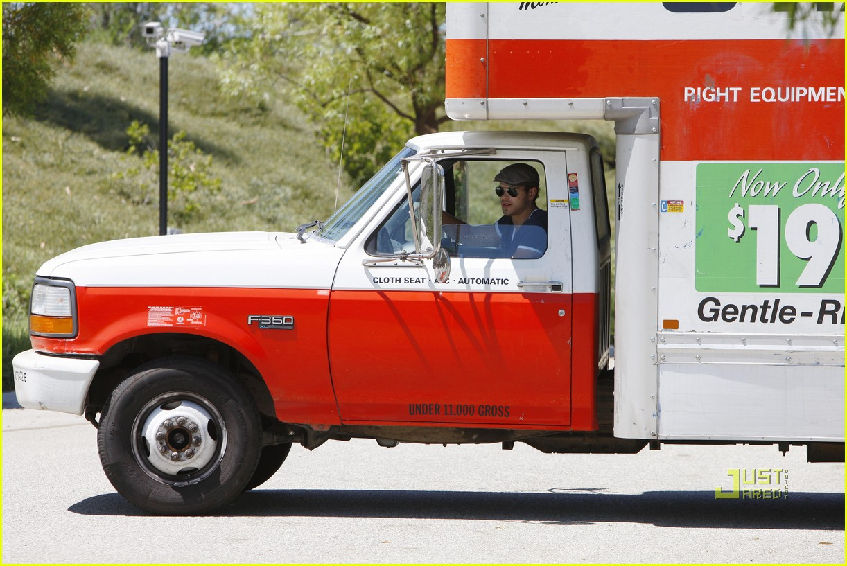 kellan lutz uhaul truck dog walking 072471231