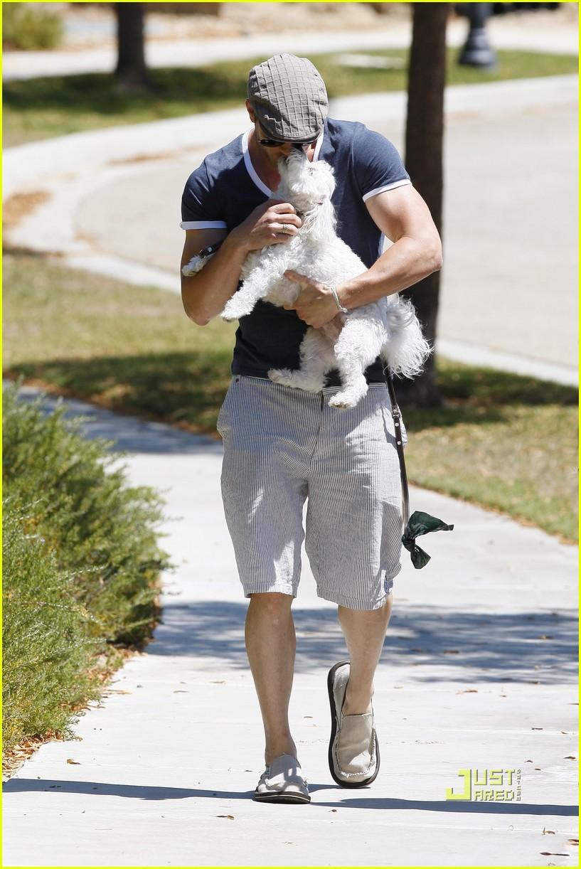 kellan lutz uhaul truck dog walking 142471238