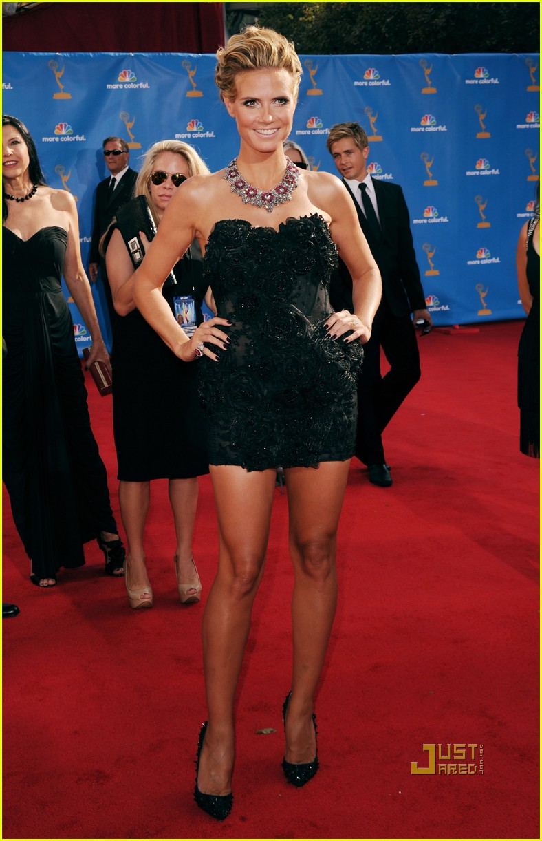 heidi klum seal emmys 2010 red carpet 08