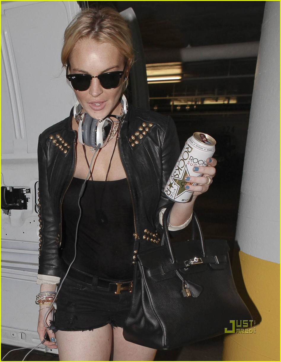 lindsay lohan out of rehab 012475436