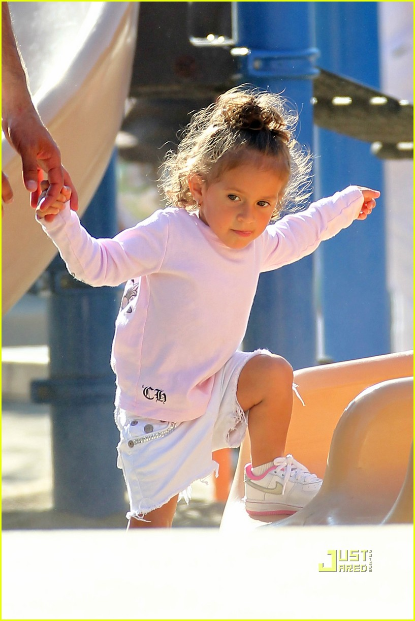 jennifer lopez swinging and sliding with family 23