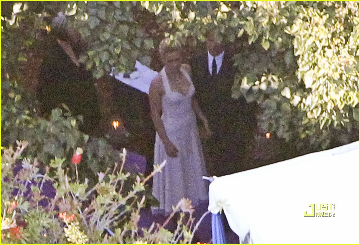 Anna Paquin S Wedding Pictures With Stephen Moyer First Look