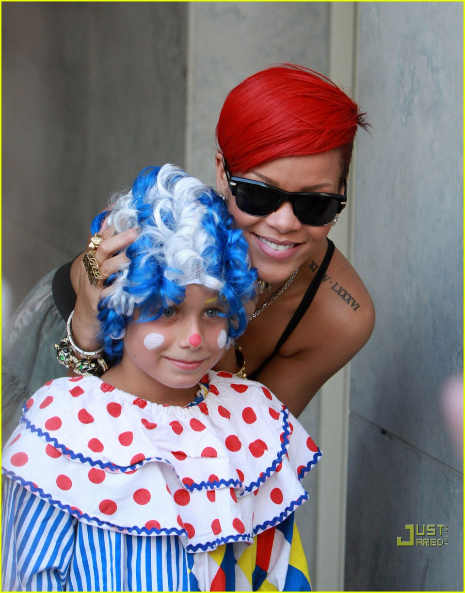 rihanna clowning around 022471672